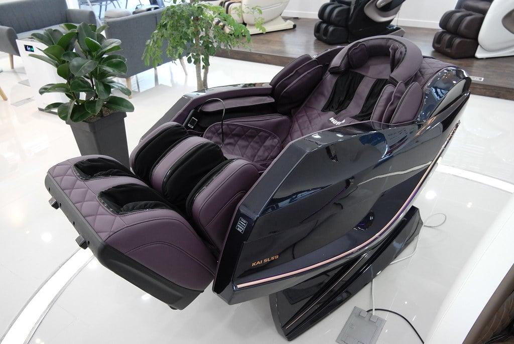 automatic vs portable massage chair